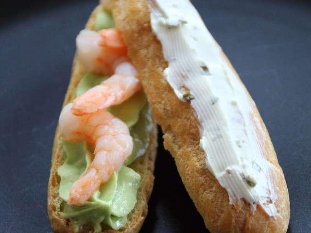 eclairs-creme-d-avocats-crevettes-et-fromage-frais-a-la-ciboulette.640x480